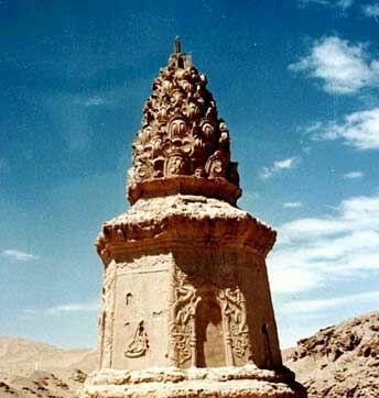 已越千年的莫高窟土筑古塔,它代