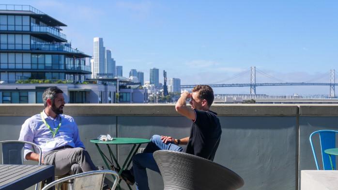 """美国硅谷上演""""大逃亡"""":郊区成科技精英避难所"""